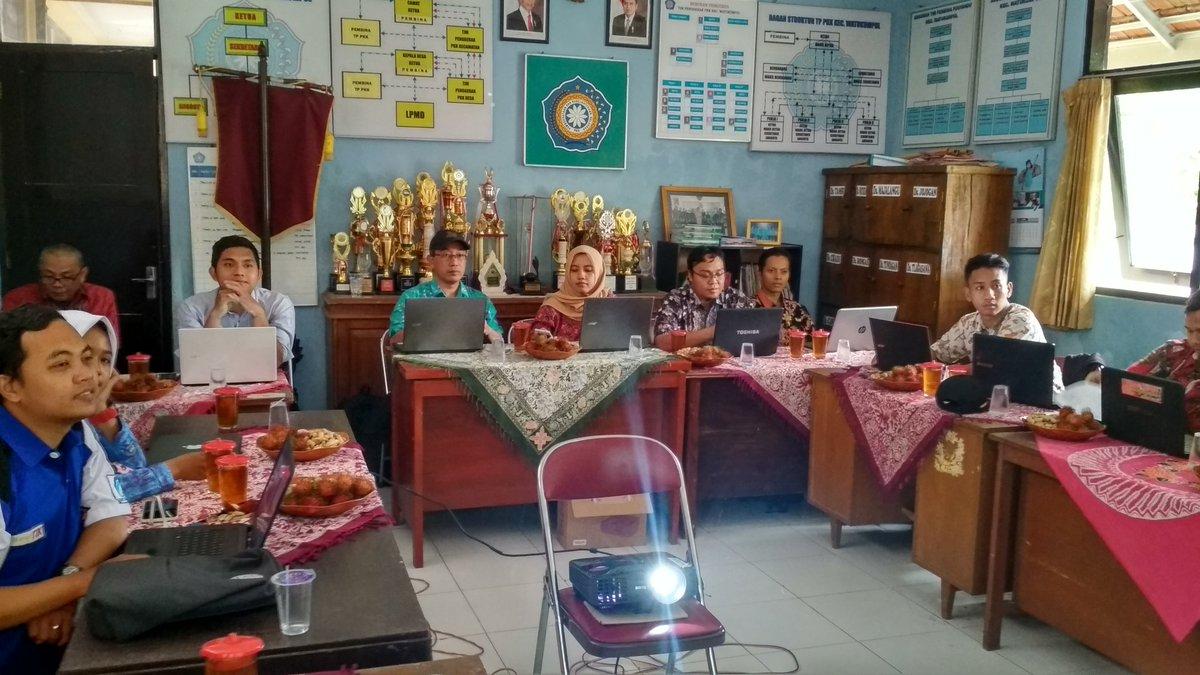 Pelatihan Optimalisasi Website Desa
